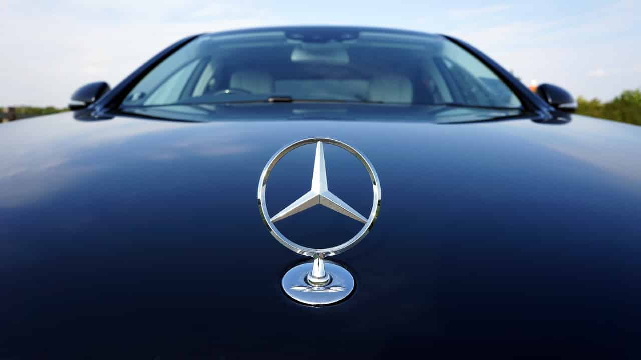 Mercedes-Benz Blockchain Adopción